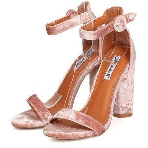 Cape Robbin velvet heels in blush pink